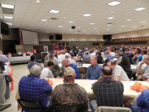 l42-crowd-at-banquet
